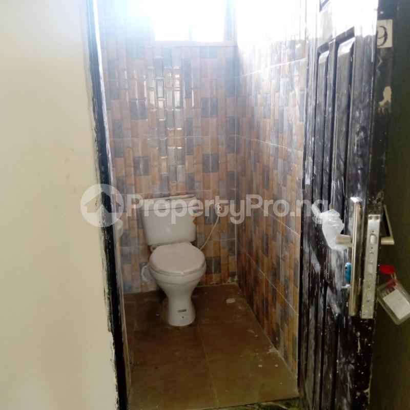 3 bedroom Flat / Apartment for rent Off Aiyelegun Road, Bucknor Isolo Lagos - 12