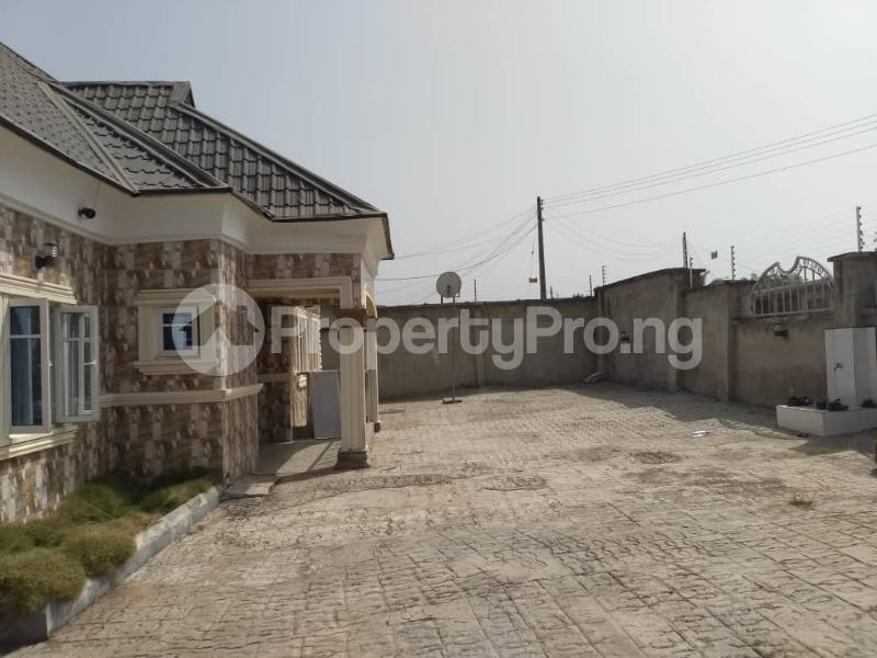 3 bedroom Terraced Bungalow House for sale Akure Ondo - 1