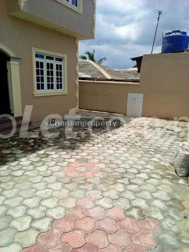 3 bedroom Flat / Apartment for rent - Magboro Obafemi Owode Ogun - 13