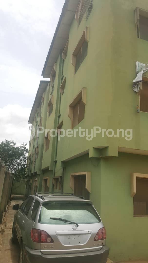 3 bedroom Flat / Apartment for sale Off Ailegun Road Bucknor Isolo Lagos - 2