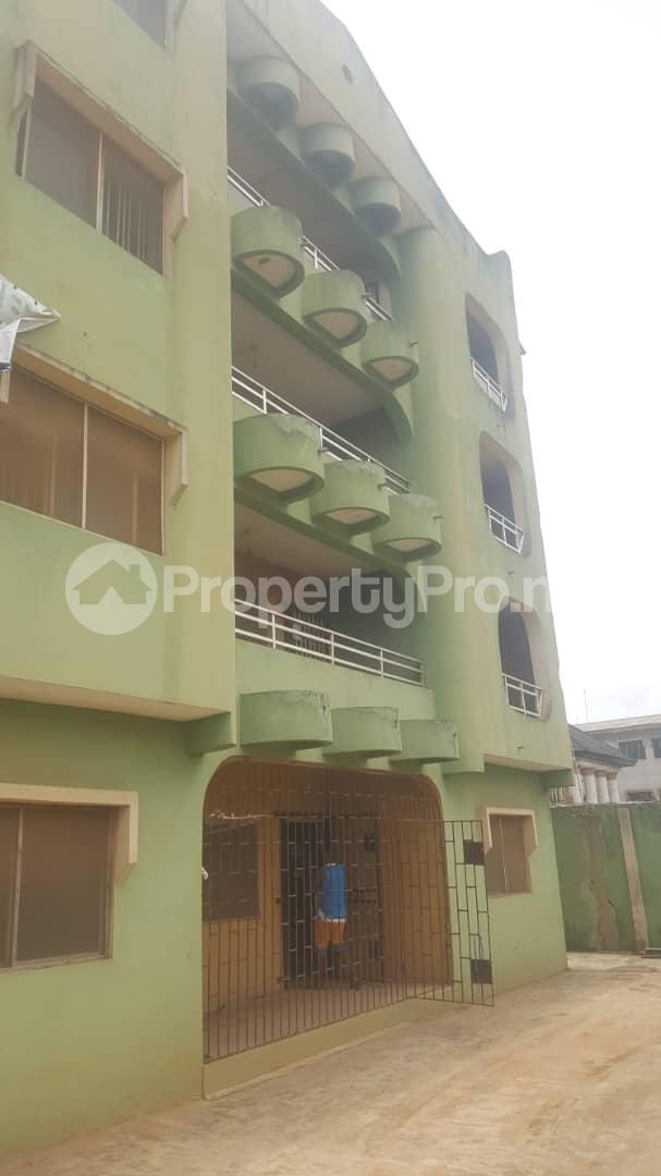 3 bedroom Flat / Apartment for sale Off Ailegun Road Bucknor Isolo Lagos - 1
