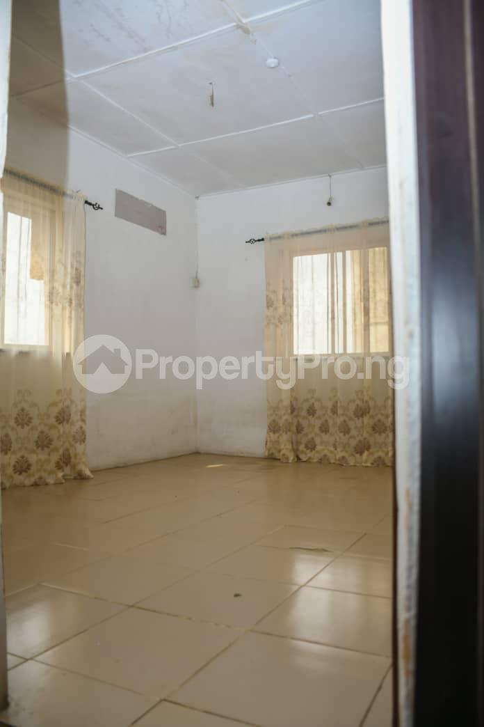 3 bedroom Flat / Apartment for sale Jakande Estate Isolo Lagos - 5