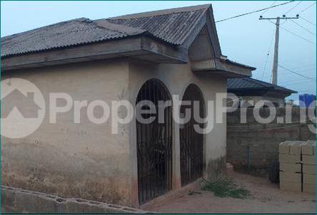 3 bedroom Flat / Apartment for sale Adeola Rufai Crescent OKE-OTUN AKUTE Ojodu Lagos - 2