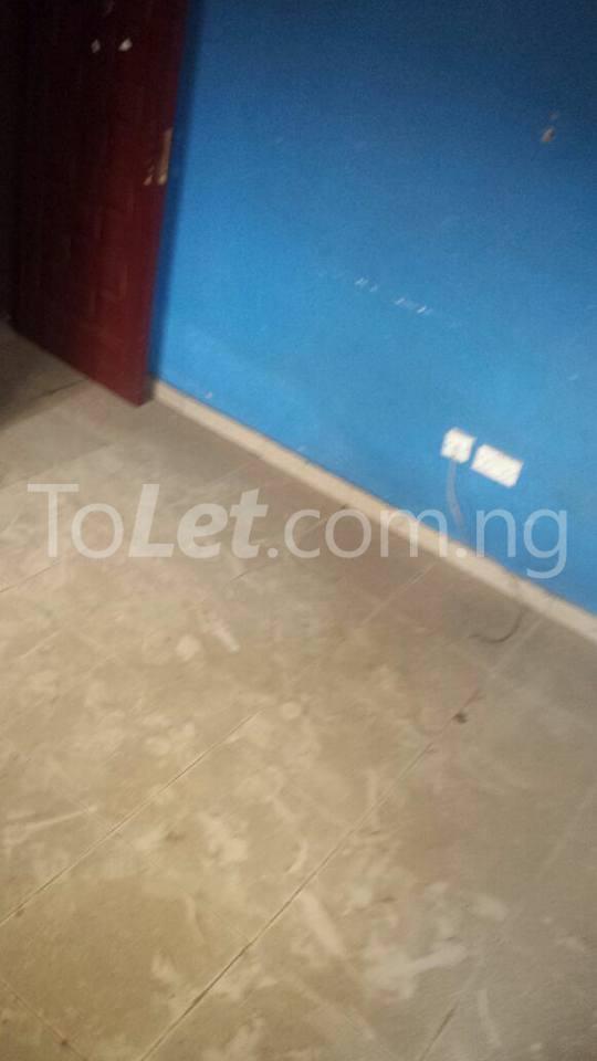 3 bedroom Flat / Apartment for sale County Estate Pen Cinema Agege Pen cinema Agege Lagos - 4