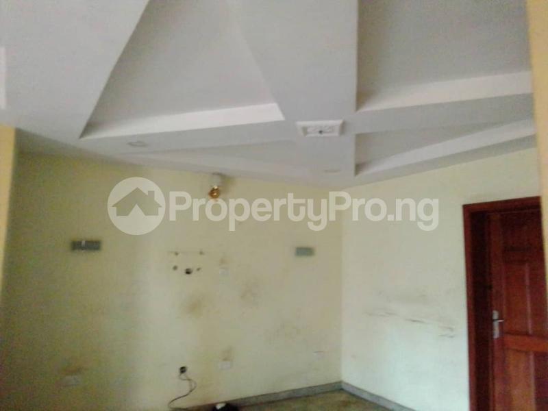 3 bedroom Flat / Apartment for rent Sehinde Calisto street Oshodi Lagos - 12