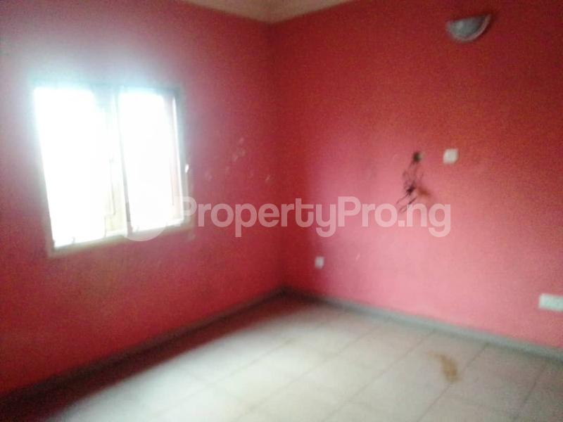 3 bedroom Flat / Apartment for rent Sehinde Calisto street Oshodi Lagos - 4