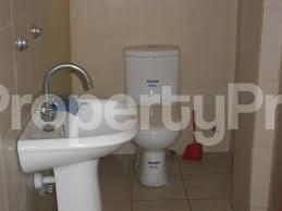 3 bedroom Blocks of Flats House for rent First Ugbor road G.R.A benin city  Oredo Edo - 1