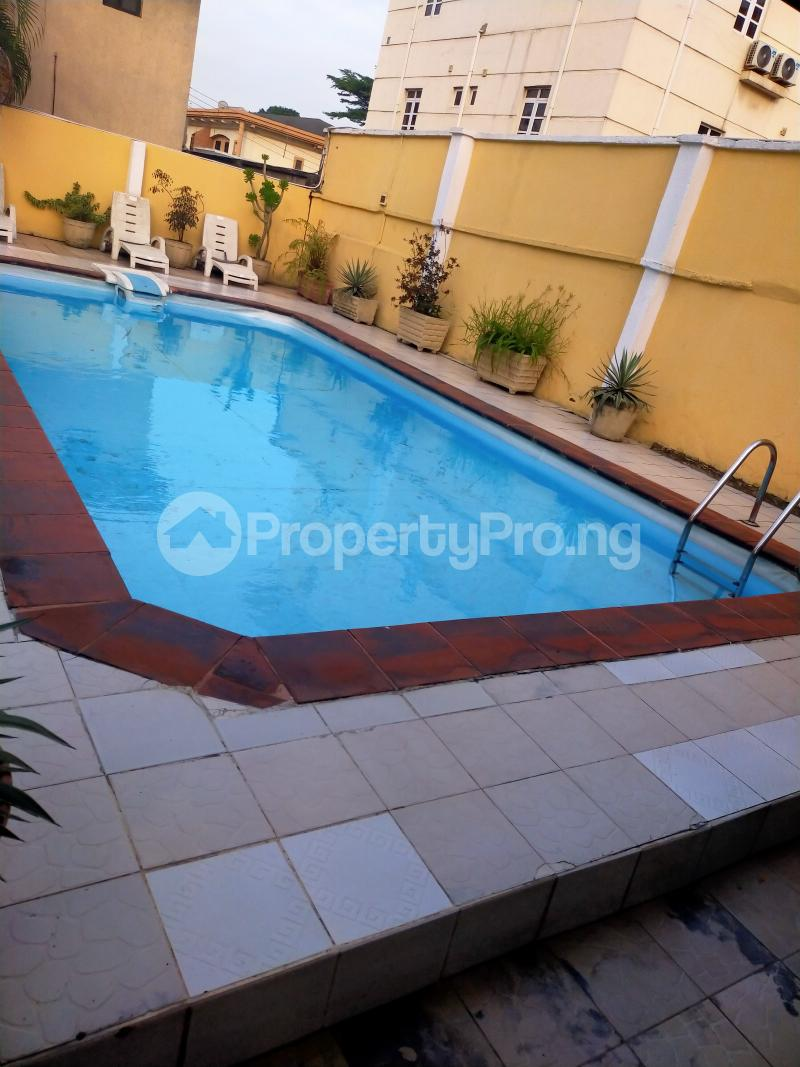 3 bedroom Flat / Apartment for rent Shonibare Estate Maryland Shonibare Estate Maryland Lagos - 4