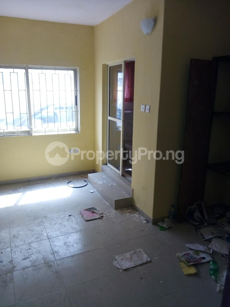 3 bedroom Flat / Apartment for rent . Fola Agoro Yaba Lagos - 4