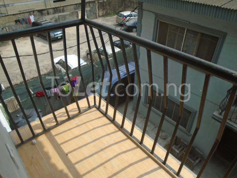 3 bedroom Flat / Apartment for rent Off  Obafemi Awolowo Way Ikeja Lagos - 18