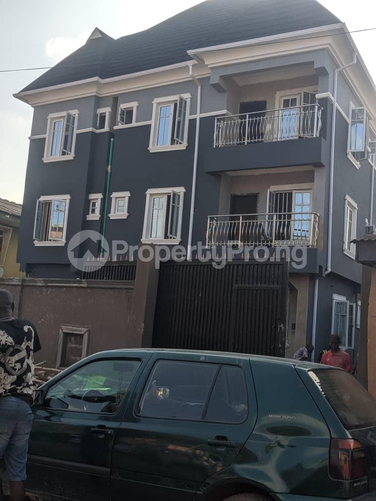 3 bedroom Blocks of Flats House for rent Banire str, off fashoro Ojuelegba Surulere Lagos - 0