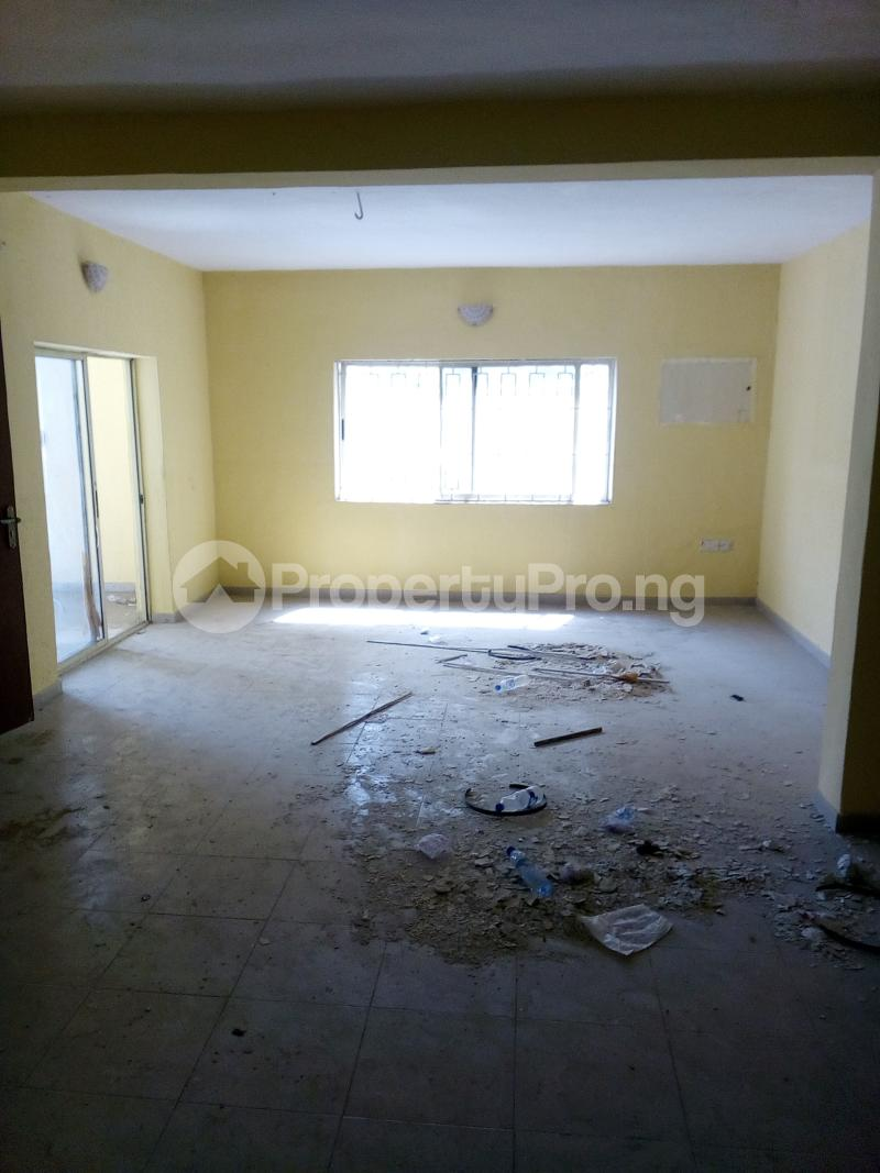 3 bedroom Flat / Apartment for rent . Fola Agoro Yaba Lagos - 2