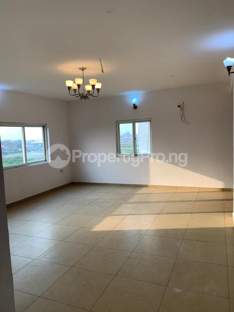 3 bedroom Flat / Apartment for sale Prime Water View Estate Off Freedom Way Lekki Phase 1 Lekki Lagos - 4