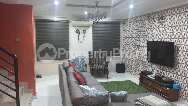 3 bedroom Massionette for sale Jacob Mews Estate, Alagomeji, Yaba. Alagomeji Yaba Lagos - 2