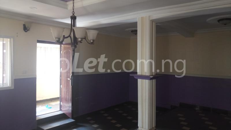 3 bedroom House for rent Magodo GRA Phase 1 Estate.  Magodo GRA Phase 1 Ojodu Lagos - 3