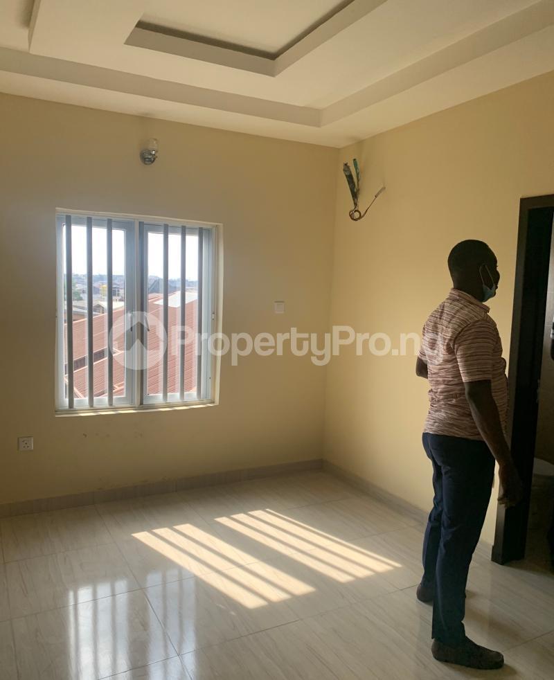 3 bedroom Flat / Apartment for rent Atunrase  Atunrase Medina Gbagada Lagos - 5