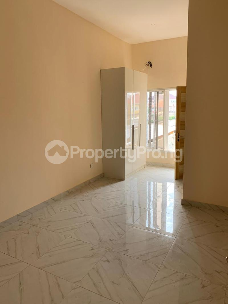3 bedroom Terraced Duplex House for sale ONIRU Victoria Island Lagos - 11
