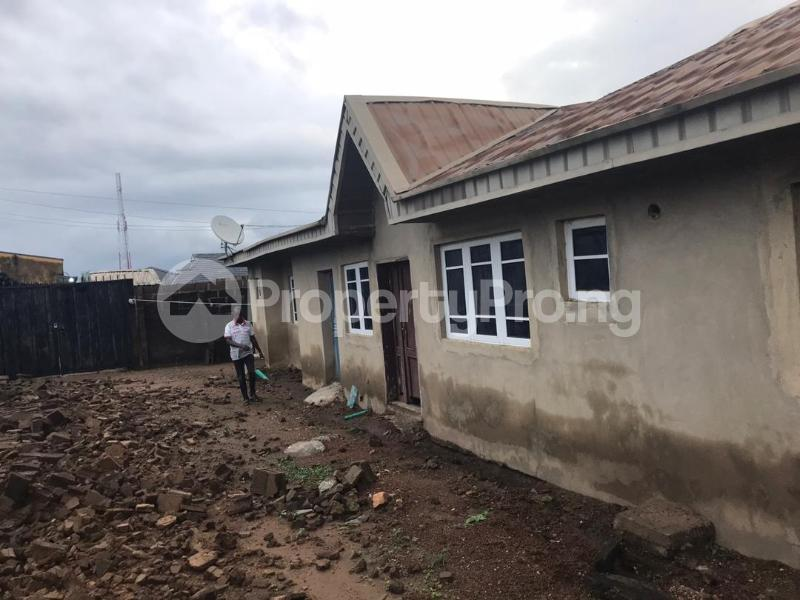 3 bedroom Blocks of Flats House for sale  up Jesus street Off idi ishin road ibadan. Jericho Ibadan Oyo - 0