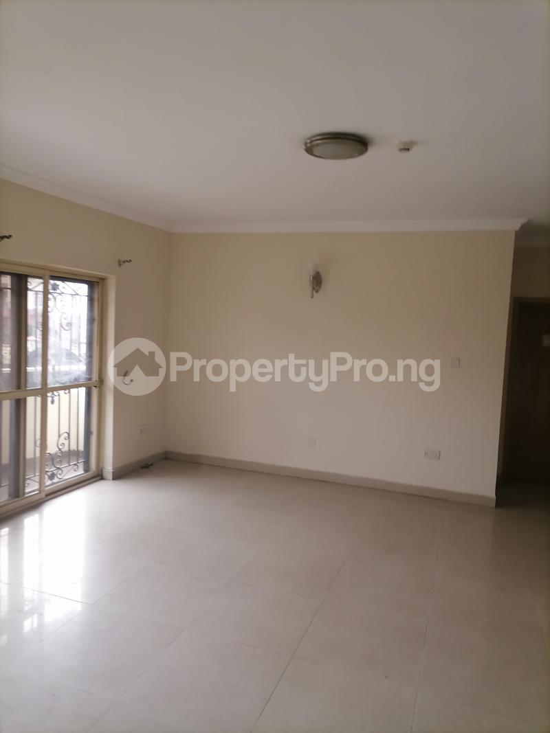 3 bedroom Blocks of Flats House for rent Shonibare estate Maryland Ikeja Lagos - 16