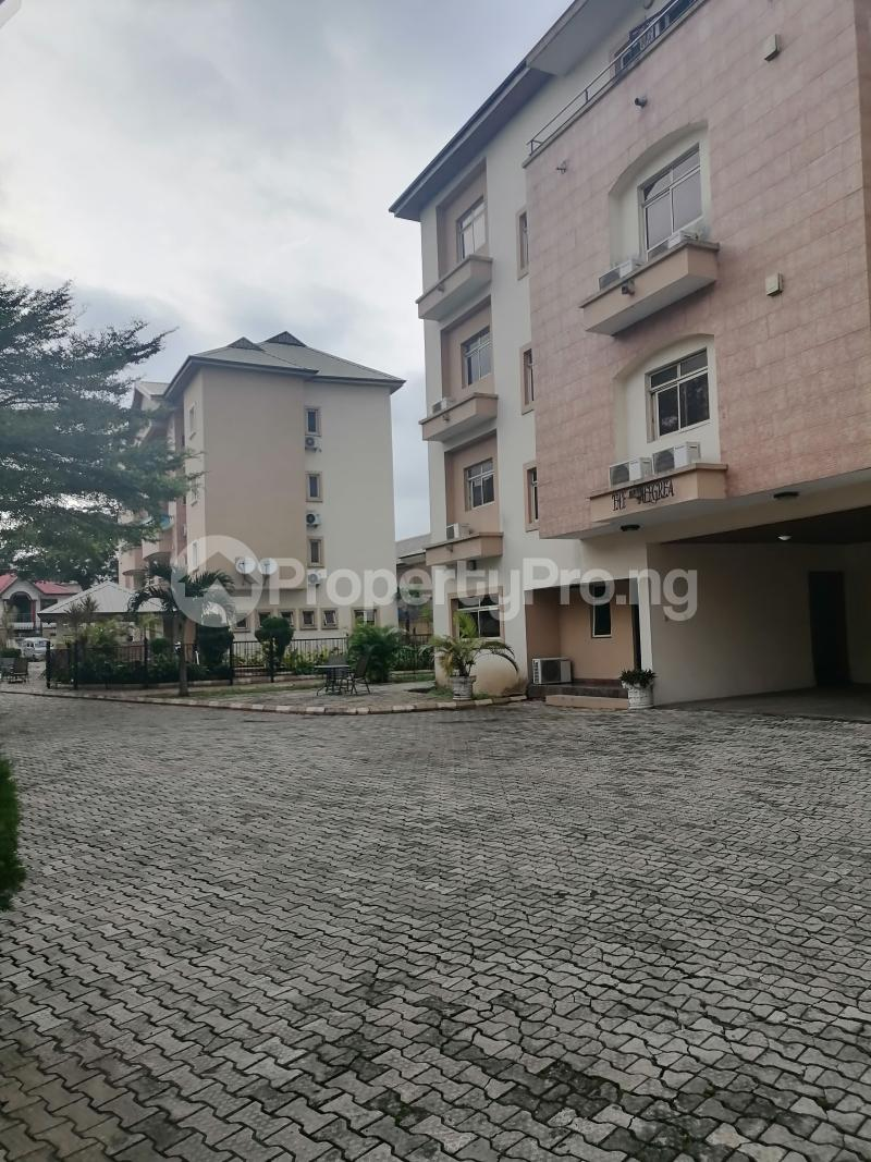 3 bedroom Blocks of Flats House for rent Shonibare estate Maryland Ikeja Lagos - 2