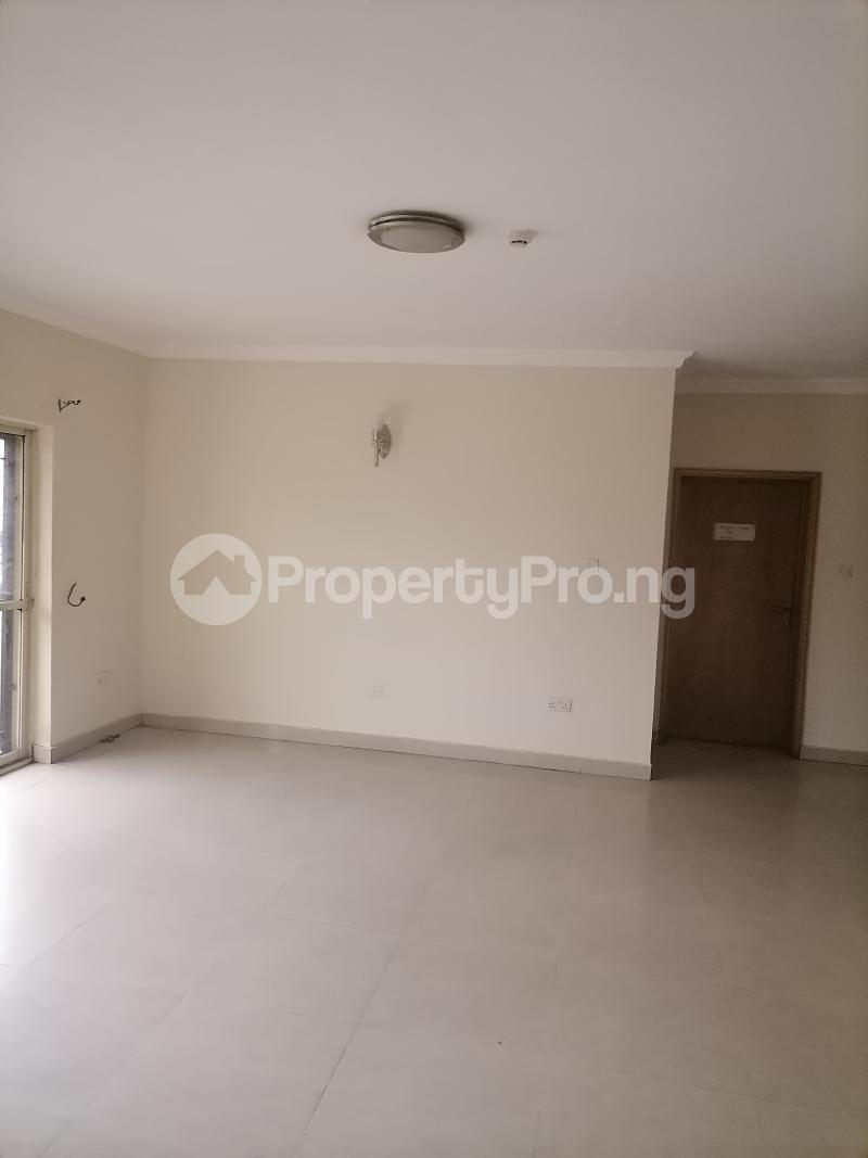 3 bedroom Blocks of Flats House for rent Shonibare estate Maryland Ikeja Lagos - 15
