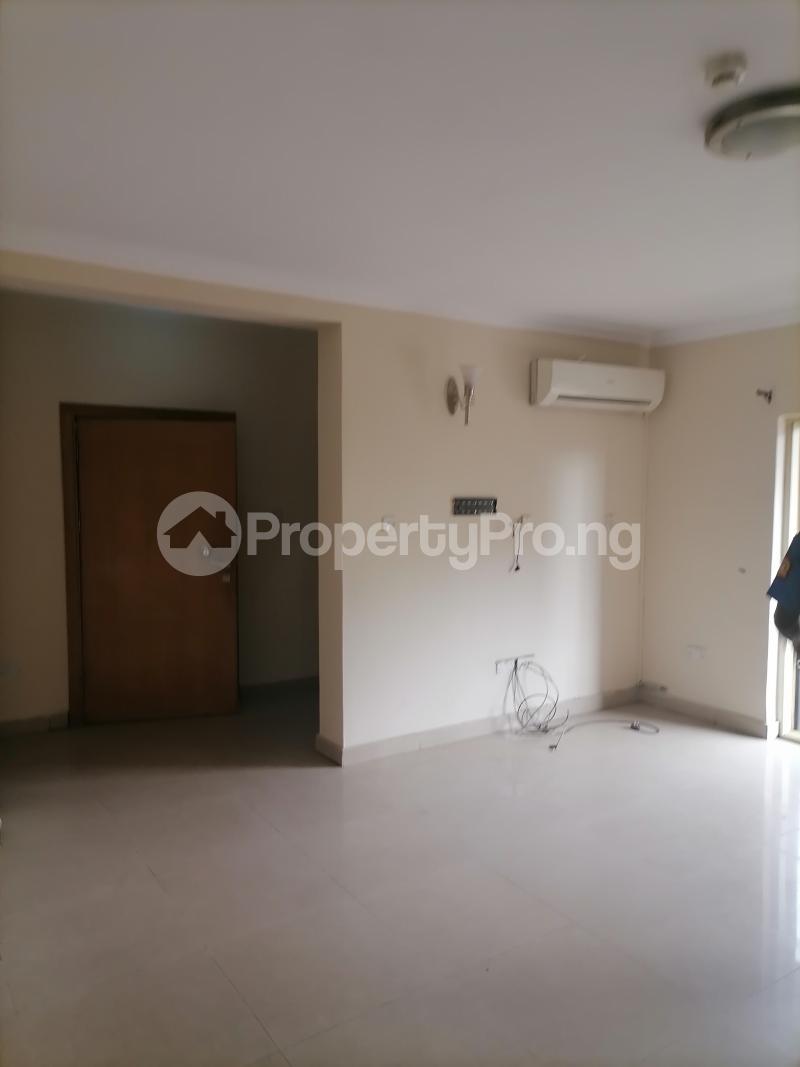 3 bedroom Blocks of Flats House for rent Shonibare estate Maryland Ikeja Lagos - 13