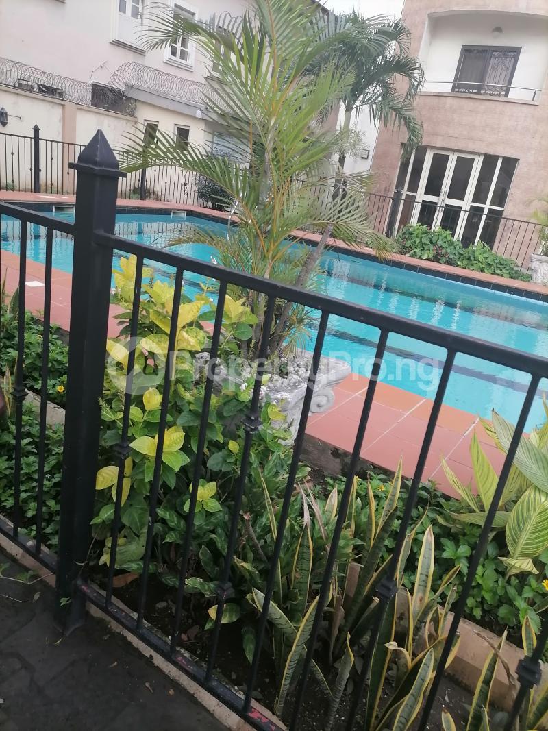 3 bedroom Blocks of Flats House for rent Shonibare estate Maryland Ikeja Lagos - 20