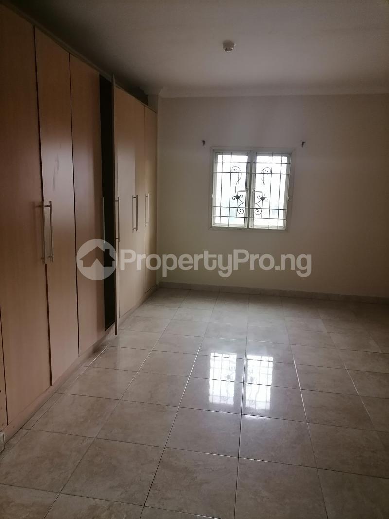 3 bedroom Blocks of Flats House for rent Shonibare estate Maryland Ikeja Lagos - 5