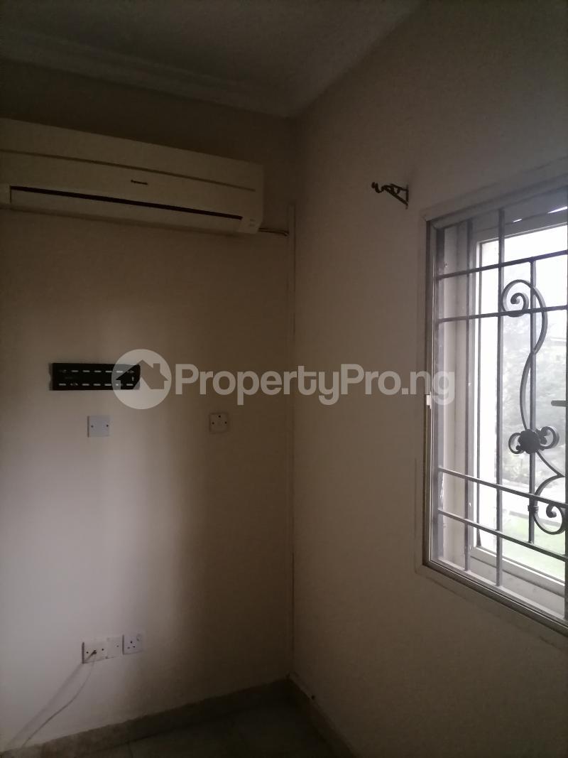3 bedroom Blocks of Flats House for rent Shonibare estate Maryland Ikeja Lagos - 8