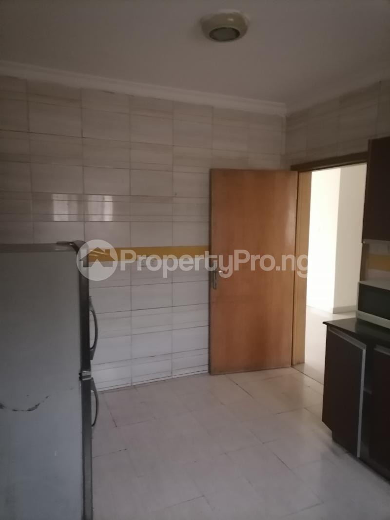3 bedroom Blocks of Flats House for rent Shonibare estate Maryland Ikeja Lagos - 12