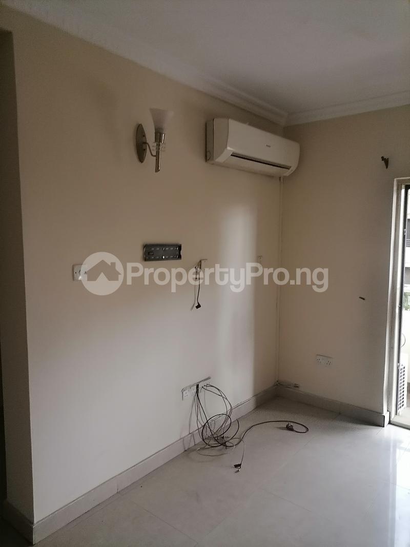 3 bedroom Blocks of Flats House for rent Shonibare estate Maryland Ikeja Lagos - 14