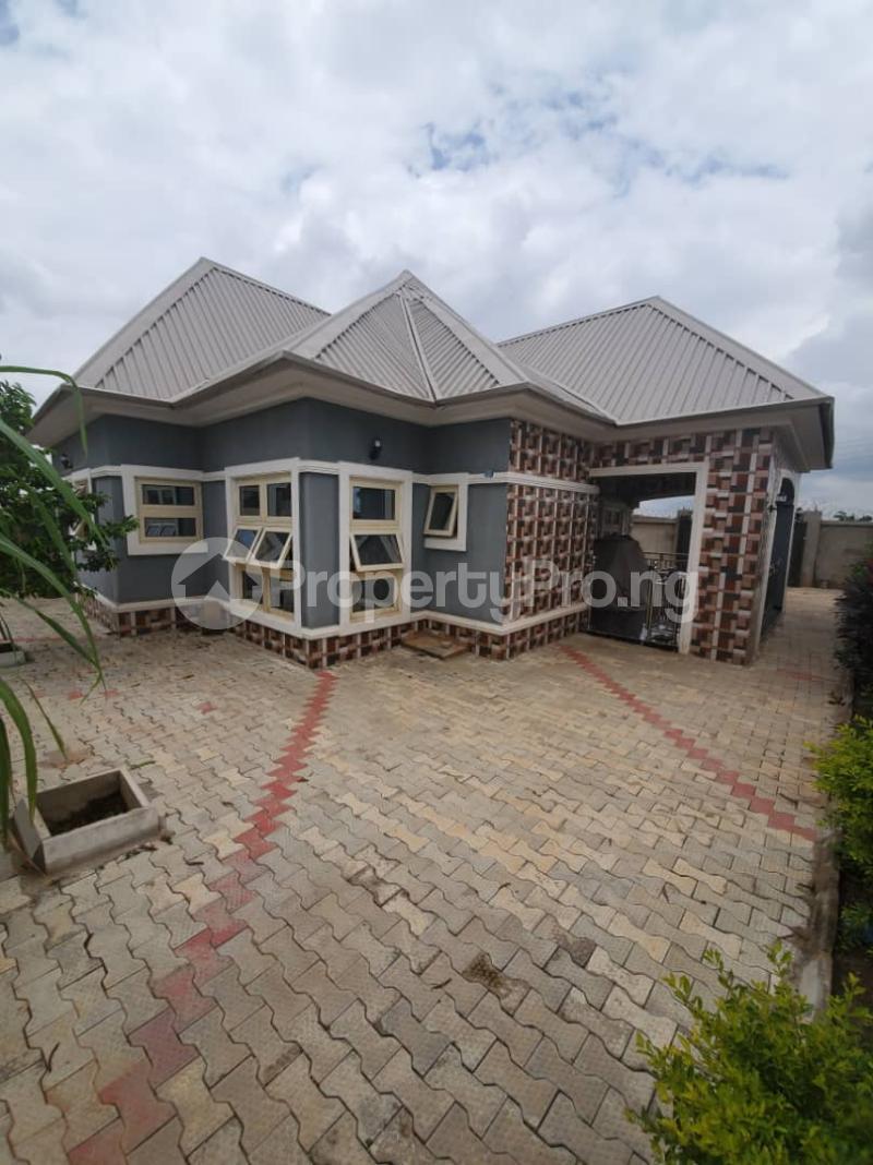 3 bedroom Detached Bungalow for sale Mahuta By Yakowa Way,kaduna Chikun Kaduna - 0