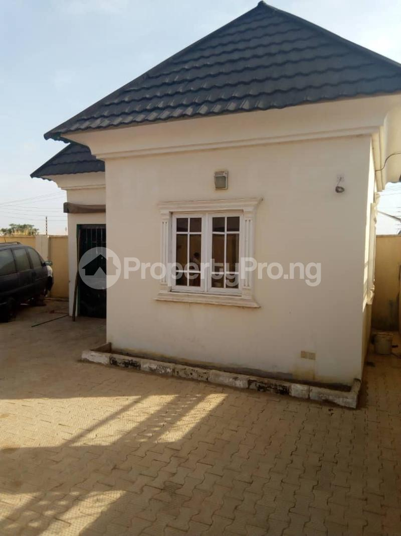 3 bedroom Detached Bungalow House for sale Behind general hospital sabo Chikun Kaduna - 5