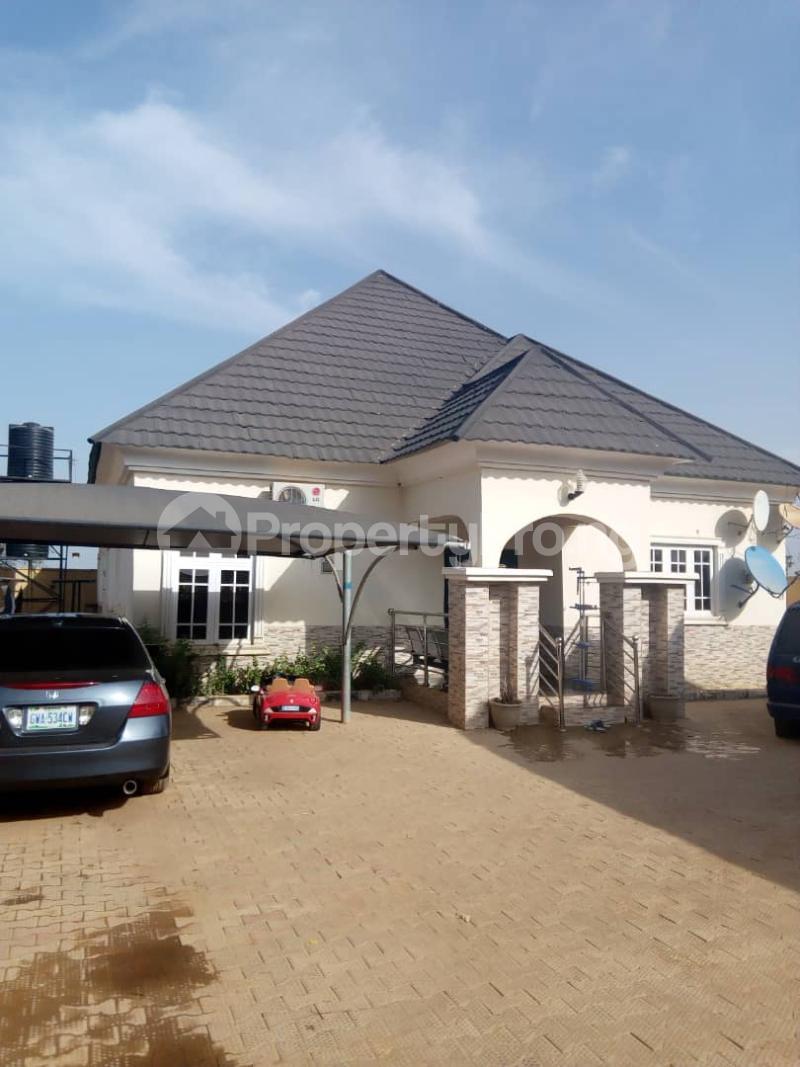 3 bedroom Detached Bungalow House for sale Behind general hospital sabo Chikun Kaduna - 2