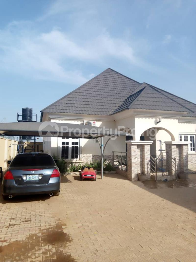 3 bedroom Detached Bungalow House for sale Behind general hospital sabo Chikun Kaduna - 7