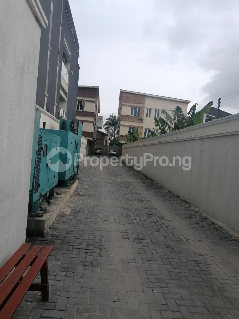 3 bedroom Blocks of Flats House for rent Bourdillon Ikoyi Lagos - 0