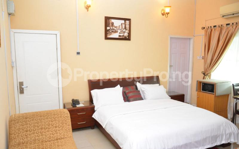 Shared Apartment for shortlet   Shonibare Estate Maryland Lagos - 0