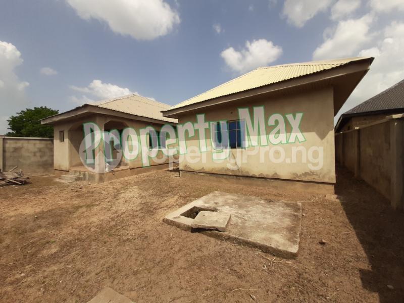 1 bedroom Mini flat for sale Isokan, Off Olodo, Iwo Express Iwo Rd Ibadan Oyo - 2