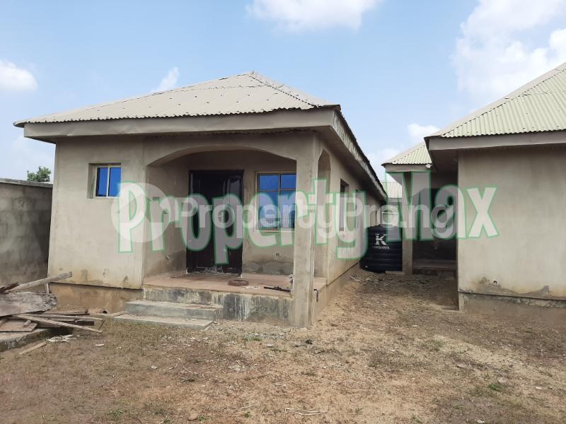 1 bedroom Mini flat for sale Isokan, Off Olodo, Iwo Express Iwo Rd Ibadan Oyo - 3