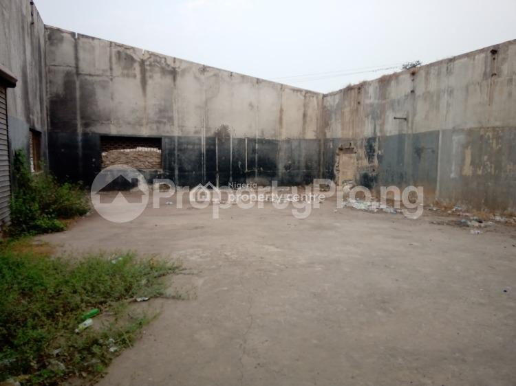Warehouse Commercial Property for sale .. Challenge Ibadan Oyo - 0