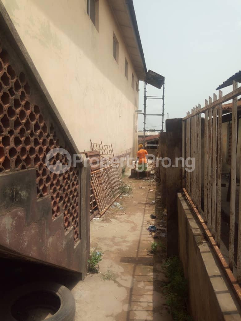Co working space for sale No2, Olunloyo Street along old Lagos road new garage ibadan Ibadan Oyo - 4