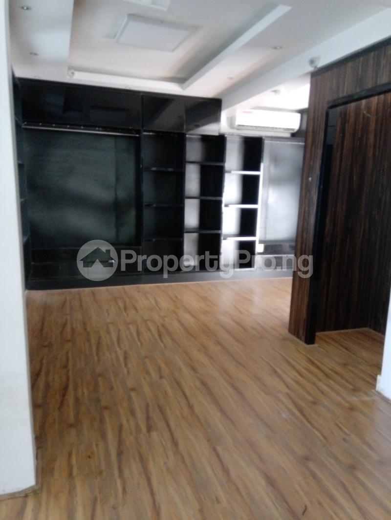 Shop in a Mall Commercial Property for rent Off Adeola Odeku Victoria Island Lagos - 1