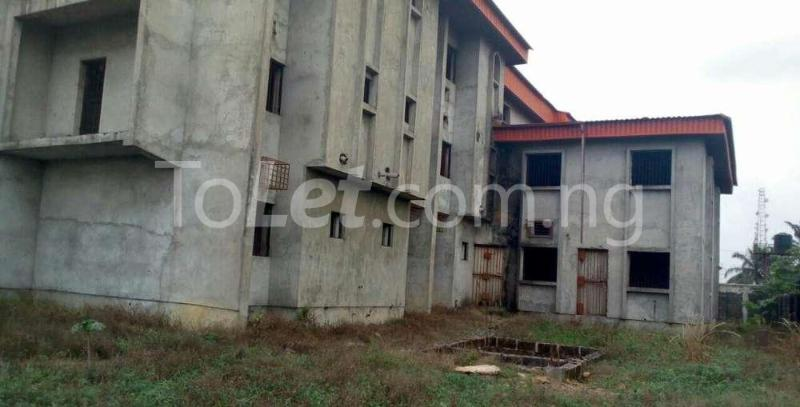 10 bedroom Hotel/Guest House Commercial Property for sale Off Osubi before the airport, warri delta state Oshimili Delta - 1