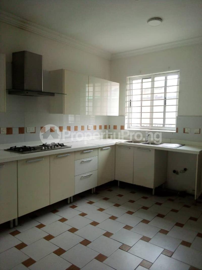 3 bedroom Flat / Apartment for sale Secured Estate Off Western Avenue Alaka/Iponri Surulere Lagos - 5
