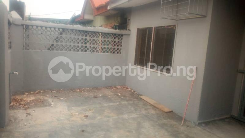 3 bedroom Detached Bungalow House for rent . Surulere Lagos - 4