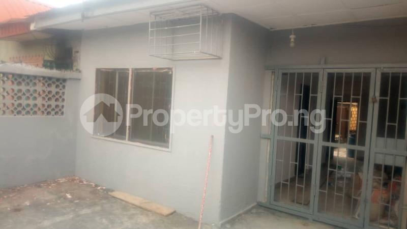 3 bedroom Detached Bungalow House for rent . Surulere Lagos - 6