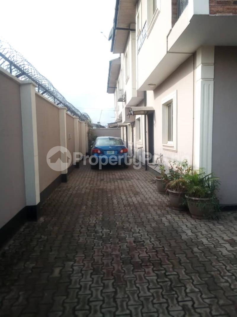 3 bedroom Blocks of Flats House for rent Bee Sam  Airport Road Oshodi Lagos - 4