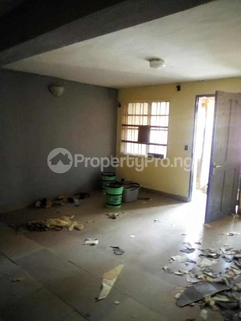 3 bedroom Flat / Apartment for rent Peace Estate Off Brown Road Aguda Surulere Lagos - 5