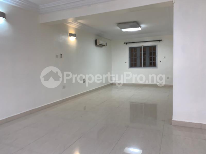 3 bedroom Flat / Apartment for rent Off palace road  ONIRU Victoria Island Lagos - 3