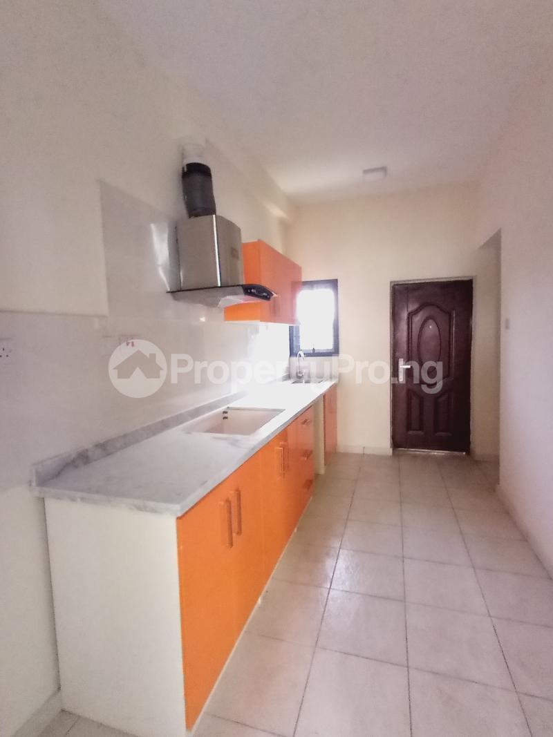 3 bedroom Terraced Duplex for sale 2nd Toll Gate Chevron chevron Lekki Lagos - 7